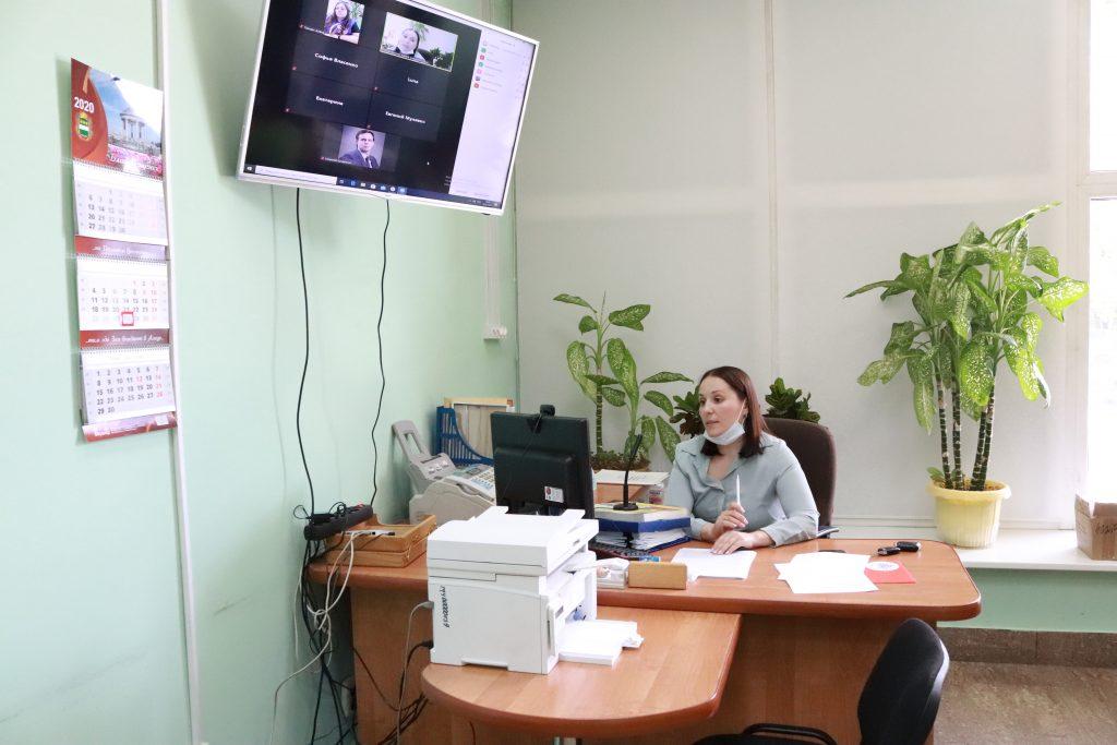 Презентация доклада «Картина фейком Информационные манипуляции в период подготовки к общероссийскому голосованию по внесению поправок в Конституцию Российской Федерации»