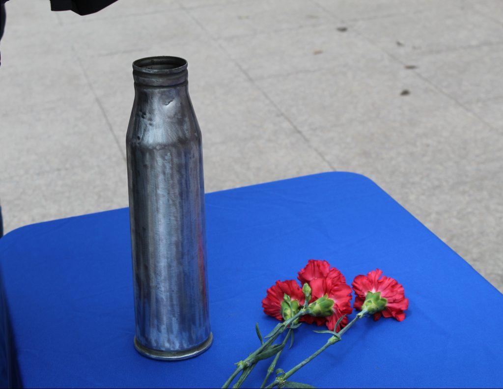 «Это честь для нас – передать амурскую землю» общественникам вручили капсулу для мемориала на «Невский пятачок» под Санкт-Петербургом