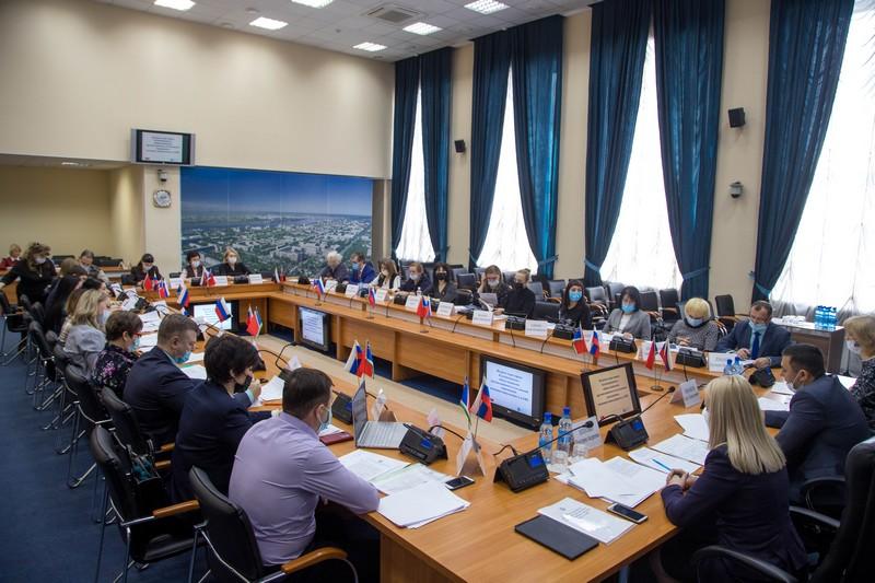 Приняли участие в совещании по проблемам граждан, имеющих инвалидность и ОВЗ