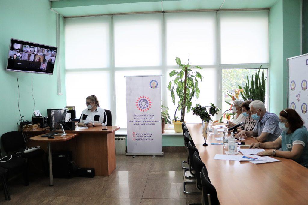Общественная палата Амурской области поддержала прививочную кампанию и считает необходимым проводить разъяснительную работу с населением